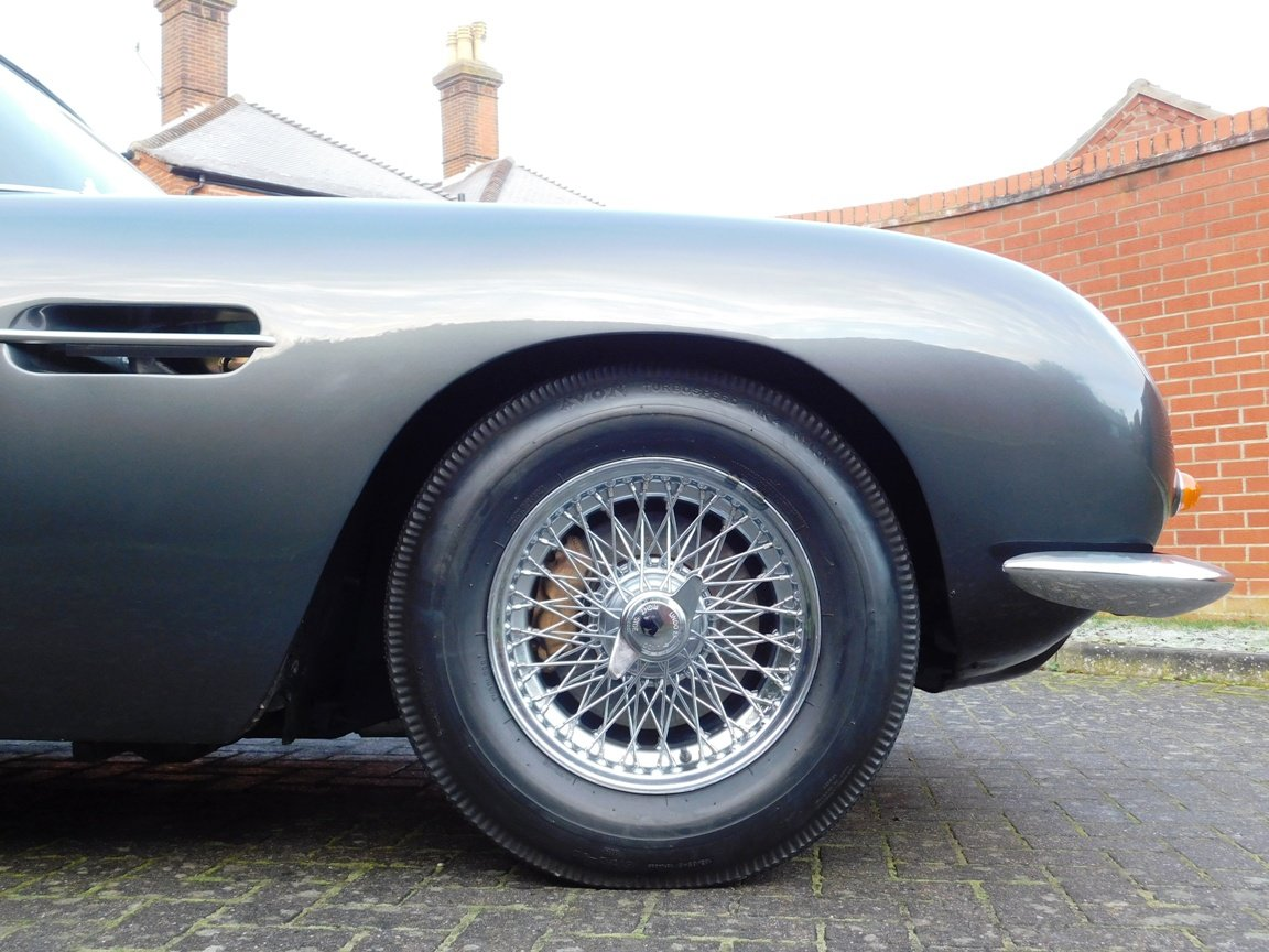 1968 Aston Martin DB6 For Sale (picture 7 of 13)