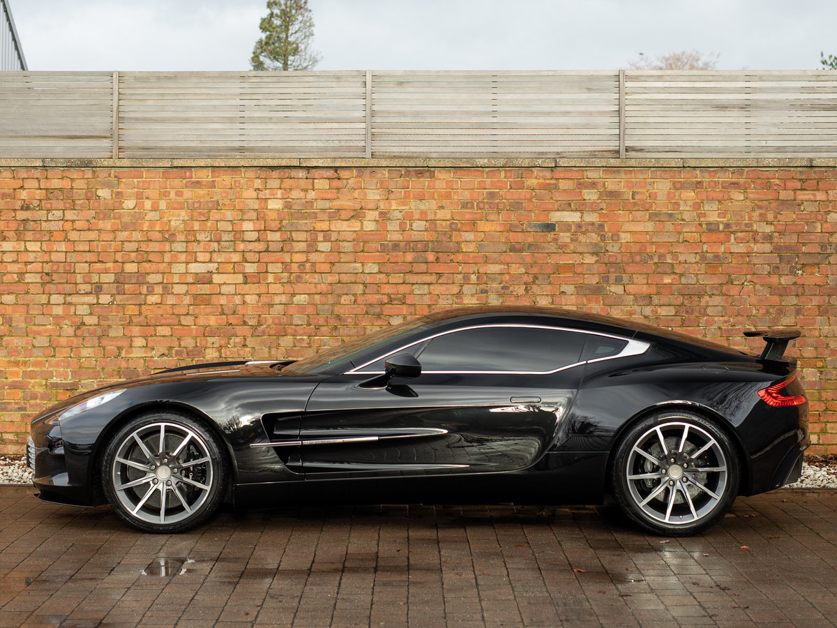 2011 Aston Martin ONE-77 SOLD (picture 2 of 6)