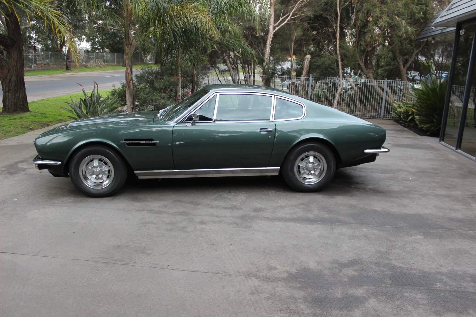 Aston Martin AMV8 1972 For Sale (picture 2 of 6)