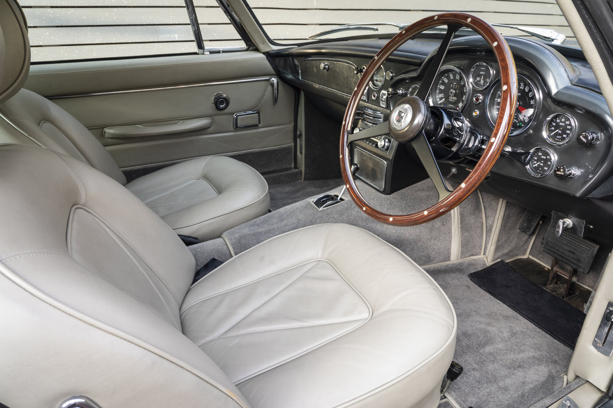 1967 Aston Martin DB6 AUTOMATIC SOLD (picture 16 of 24)