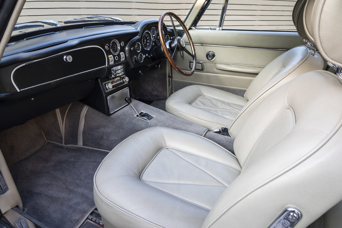 1967 Aston Martin DB6 AUTOMATIC SOLD (picture 18 of 24)