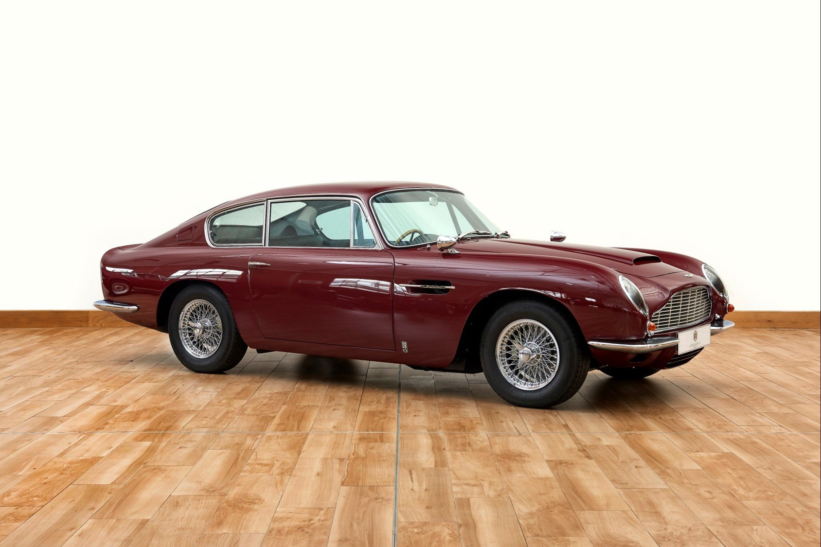 1966 Aston Martin DB6 Vantage Saloon For Sale (picture 1 of 6)