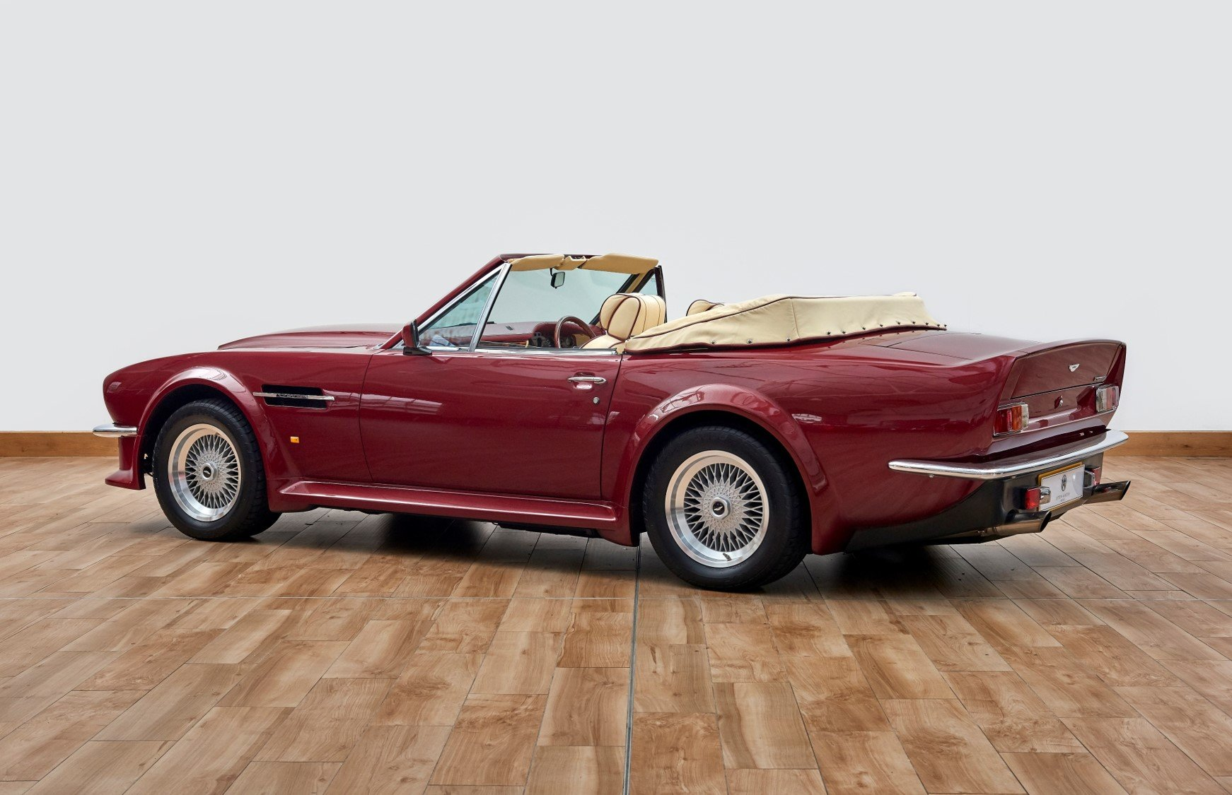 1987 Aston Martin AMV8 Vantage X-Pack Volante For Sale (picture 2 of 6)