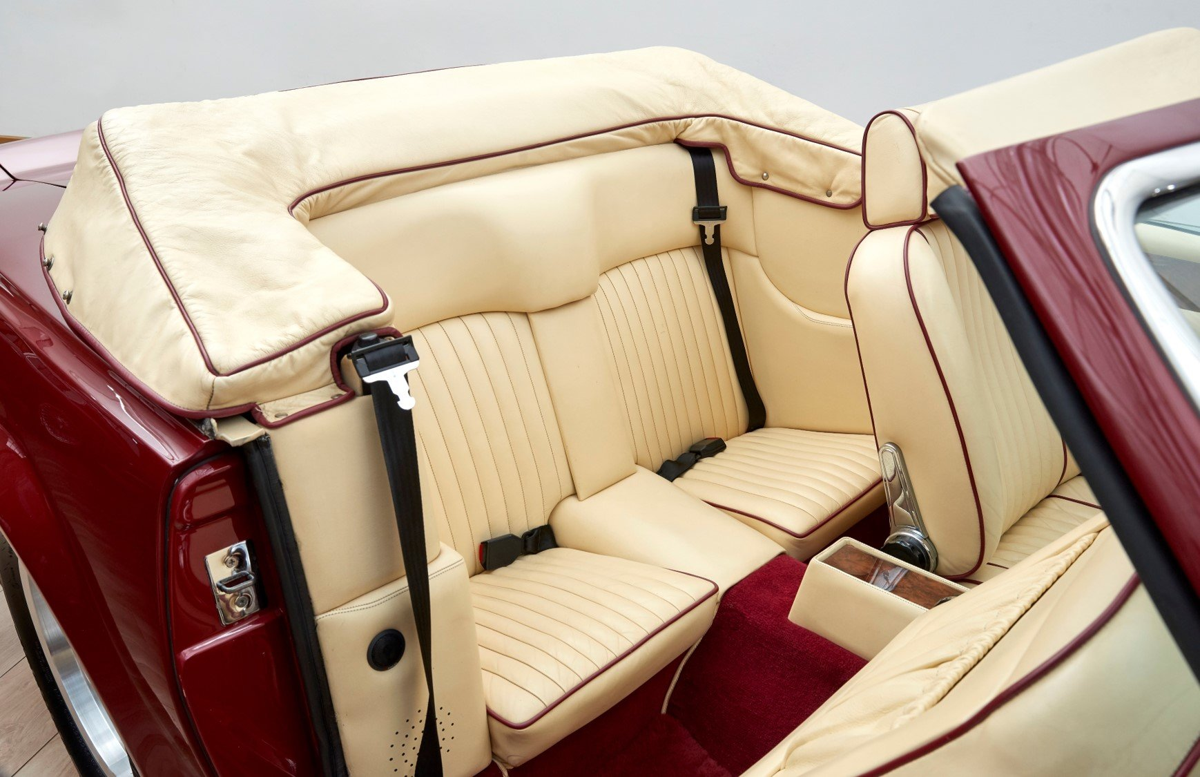 1987 Aston Martin AMV8 Vantage X-Pack Volante For Sale (picture 5 of 6)