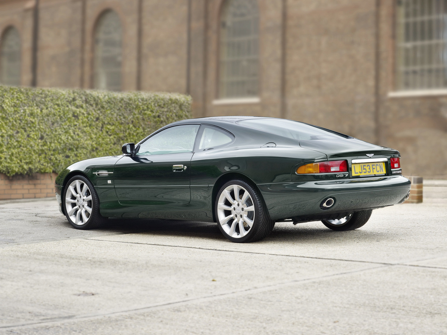 2004 DB7 Vantage.  (200 Miles Only / As New)  For Sale (picture 2 of 5)