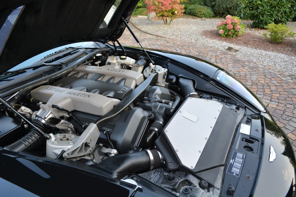 2001 Aston Martin Vanquish (LHD) 5720 miles Germam Reg. For Sale (picture 4 of 4)