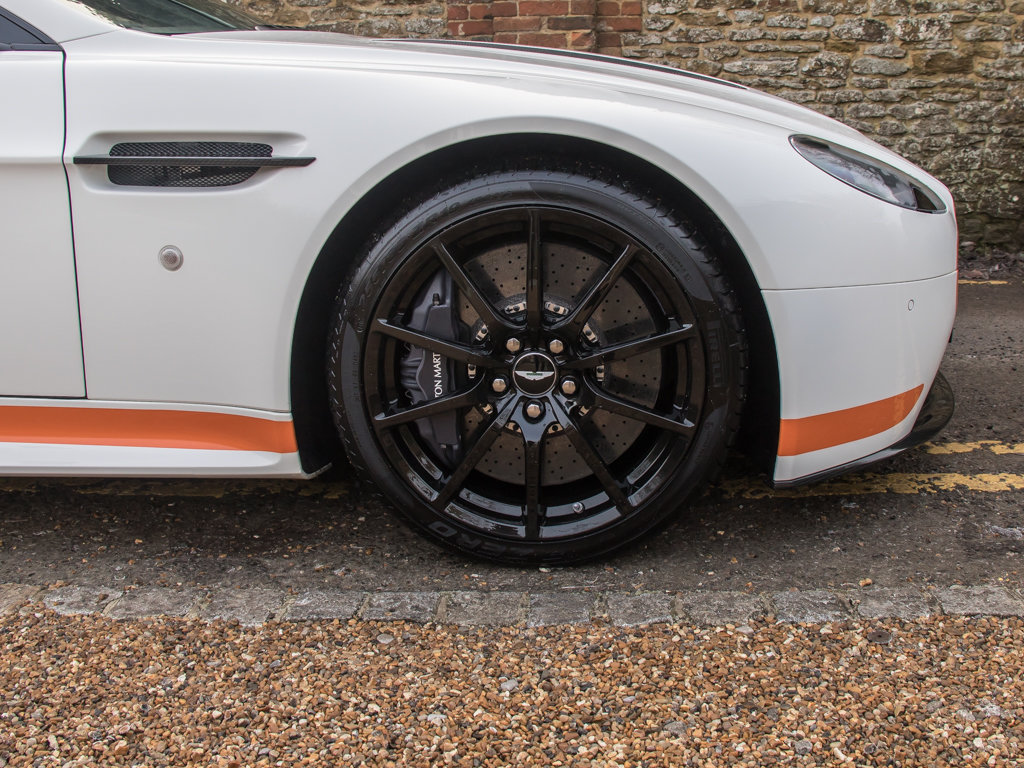 2017 Aston Martin    V12 Vantage S Manual  For Sale (picture 10 of 18)