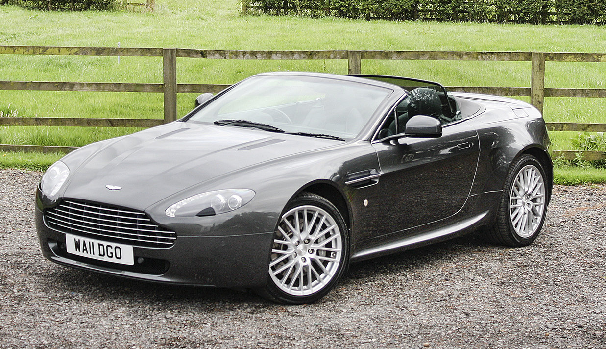 2011 Aston Martin V8 Vantage **NOW SOLD** For Sale (picture 1 of 6)