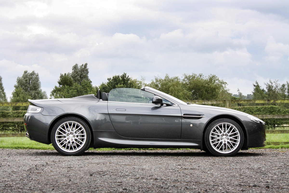 2011 Aston Martin V8 Vantage **NOW SOLD** For Sale (picture 2 of 6)