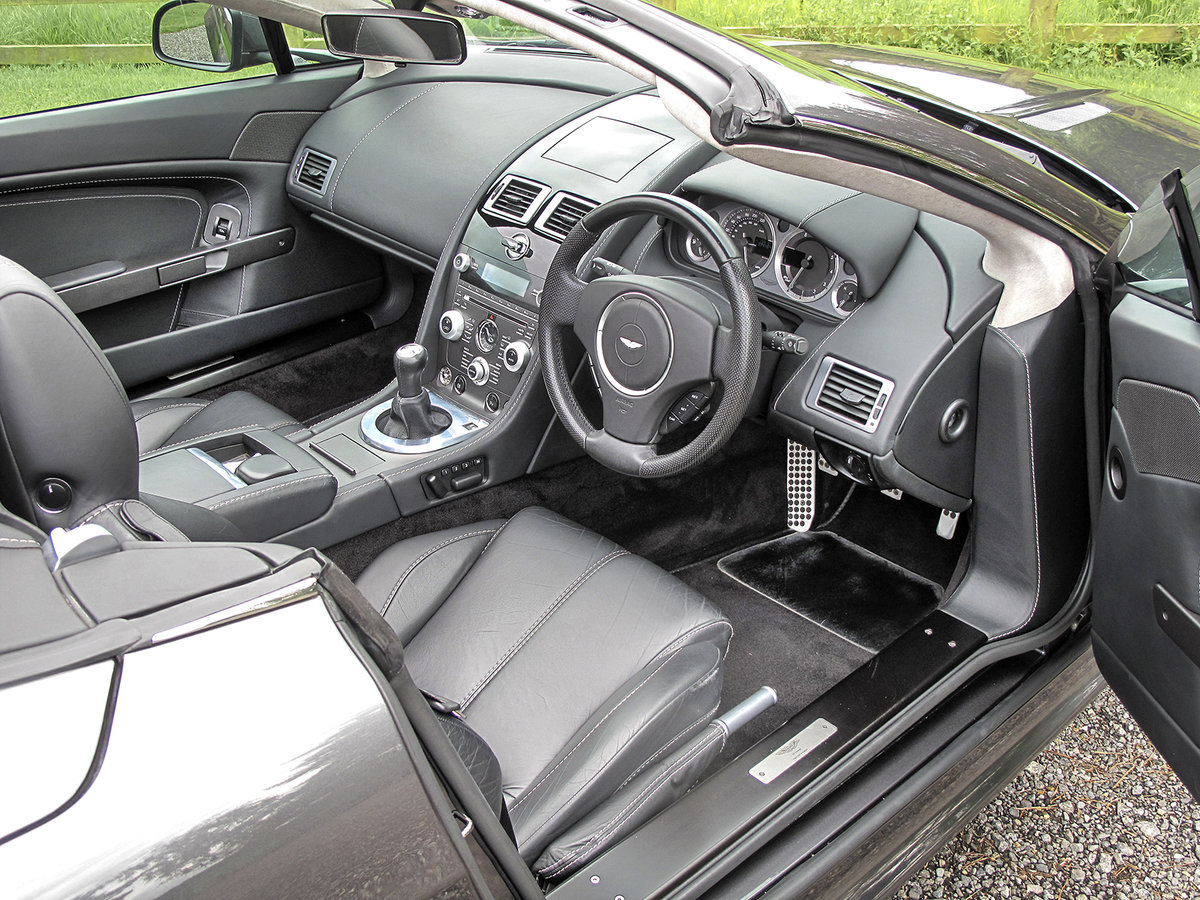2011 Aston Martin V8 Vantage **NOW SOLD** For Sale (picture 4 of 6)