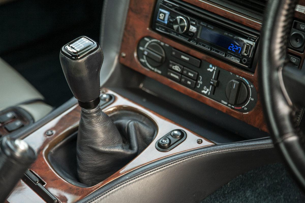 1996 Aston Martin V8 Vantage V550 (V600 Works Upgrade) For Sale (picture 4 of 6)