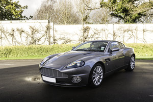 Picture of 2003 Aston Martin Vanquish 2+2 SOLD