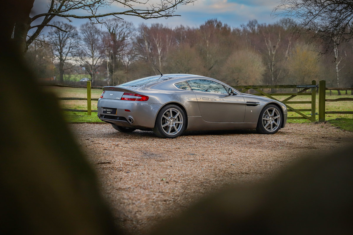 2006 EXCLUSIVE ASTON MARTIN MAIN DEALER HISTORY - IMMACULATE For Sale (picture 2 of 6)