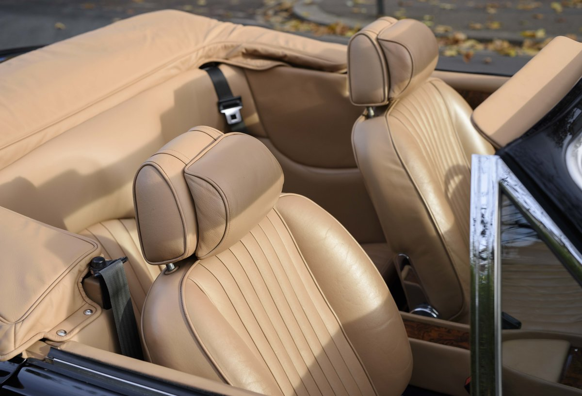 1986 Aston Martin V8 Volante (LHD) For Sale (picture 21 of 23)