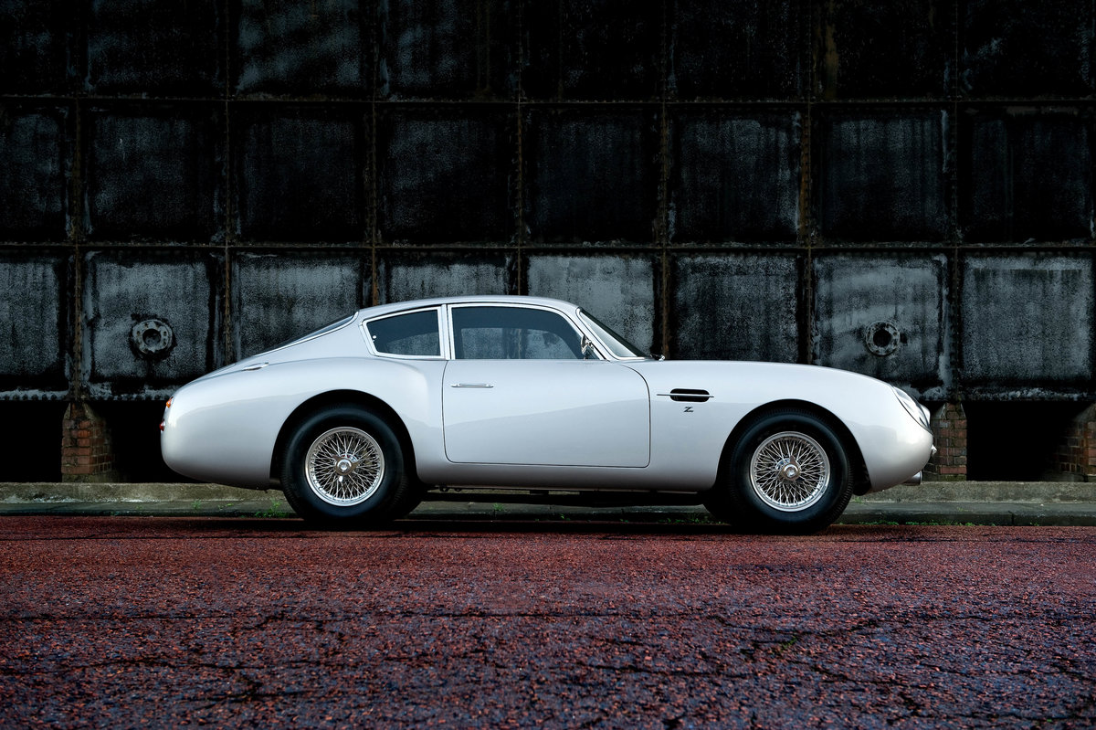 Bespoke 1961 Aston Martin DB4 GT Zagato Re-creation (picture 2 of 6)