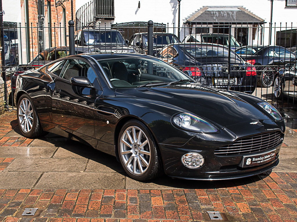 2006 Aston Martin    Vanquish S For Sale (picture 2 of 12)
