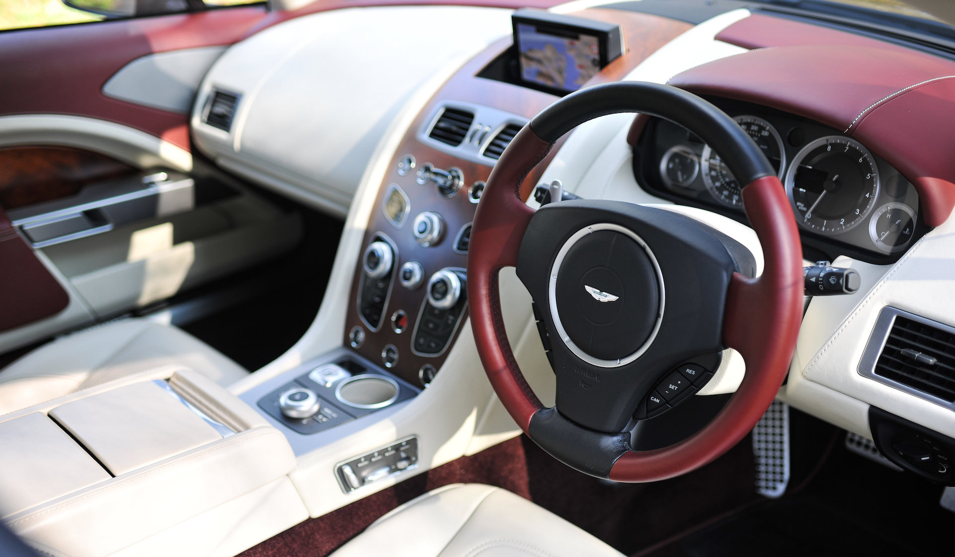 2016 Aston Martin Rapide S SOLD (picture 5 of 6)