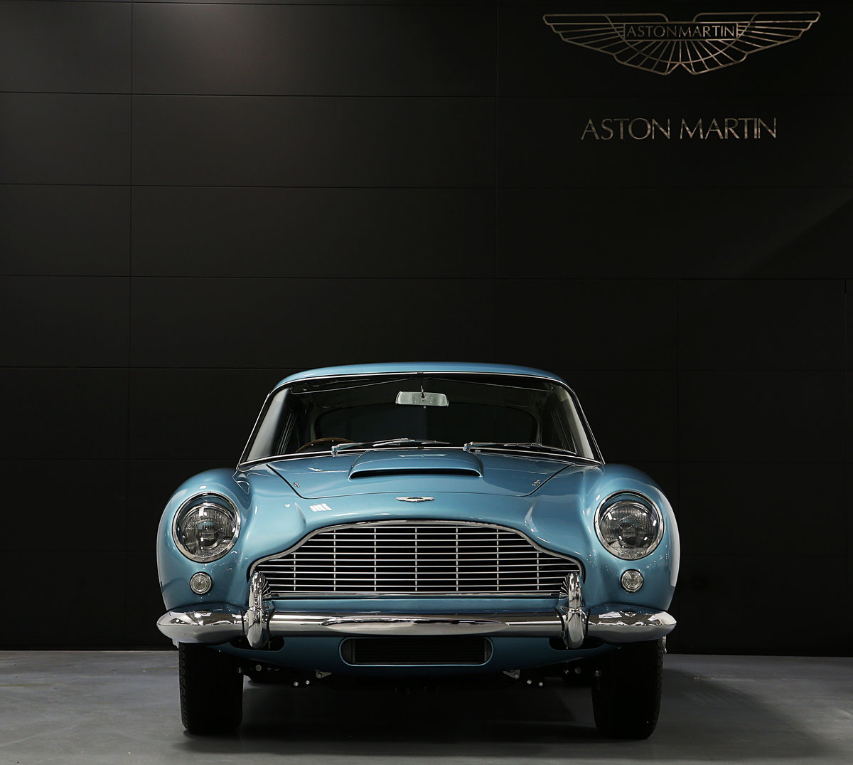 1964 Absolutely Unique Aston Martin DB5 For Sale (picture 2 of 6)