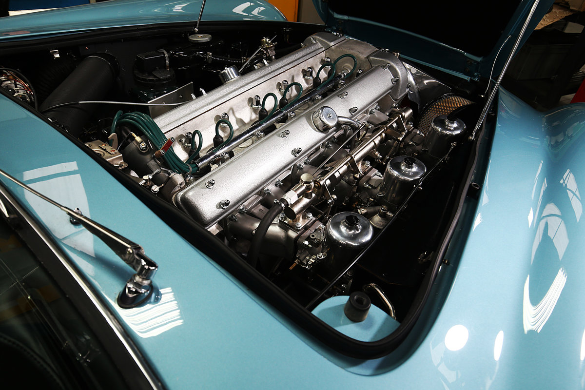1964 Absolutely Unique Aston Martin DB5 For Sale (picture 3 of 6)