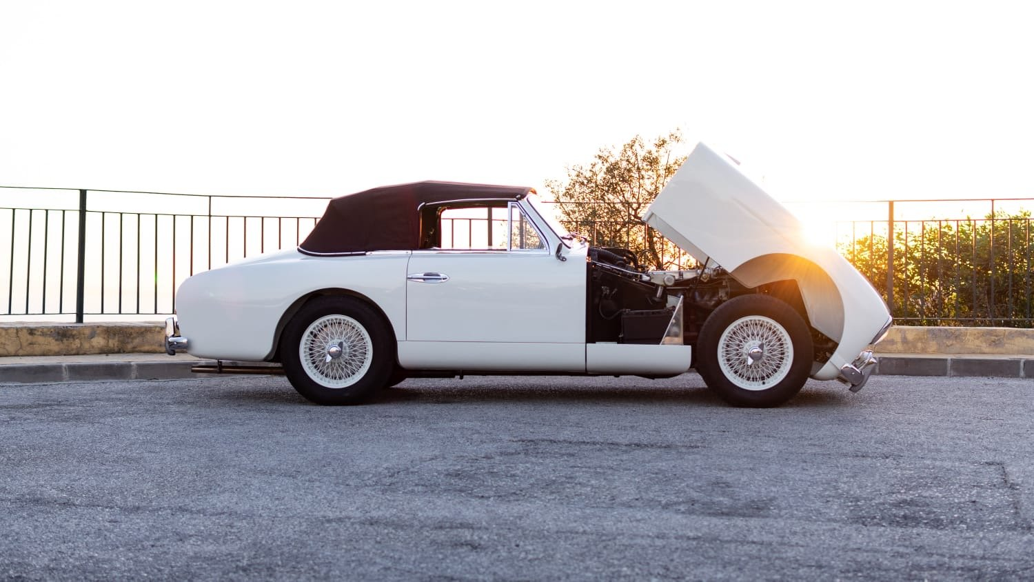 1954 Aston martin db2/4 mk i convertible For Sale (picture 2 of 6)