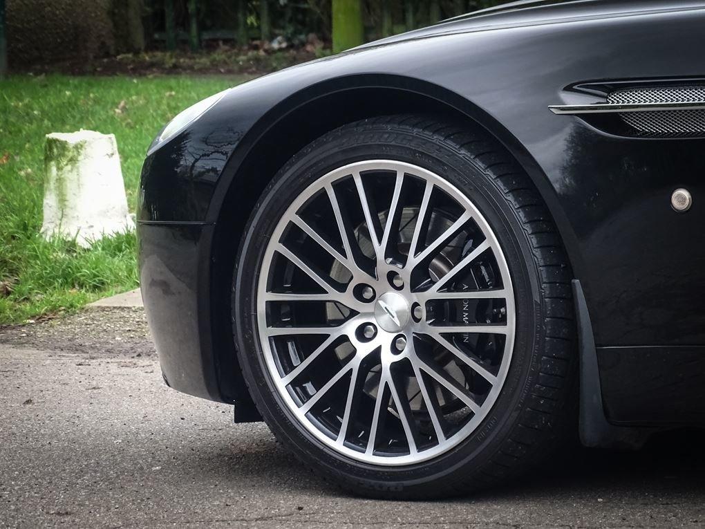 Aston Martin  VANTAGE  V8 ROADSTER 4.7 V8 CABRIOLET 2010 FAC For Sale (picture 5 of 16)