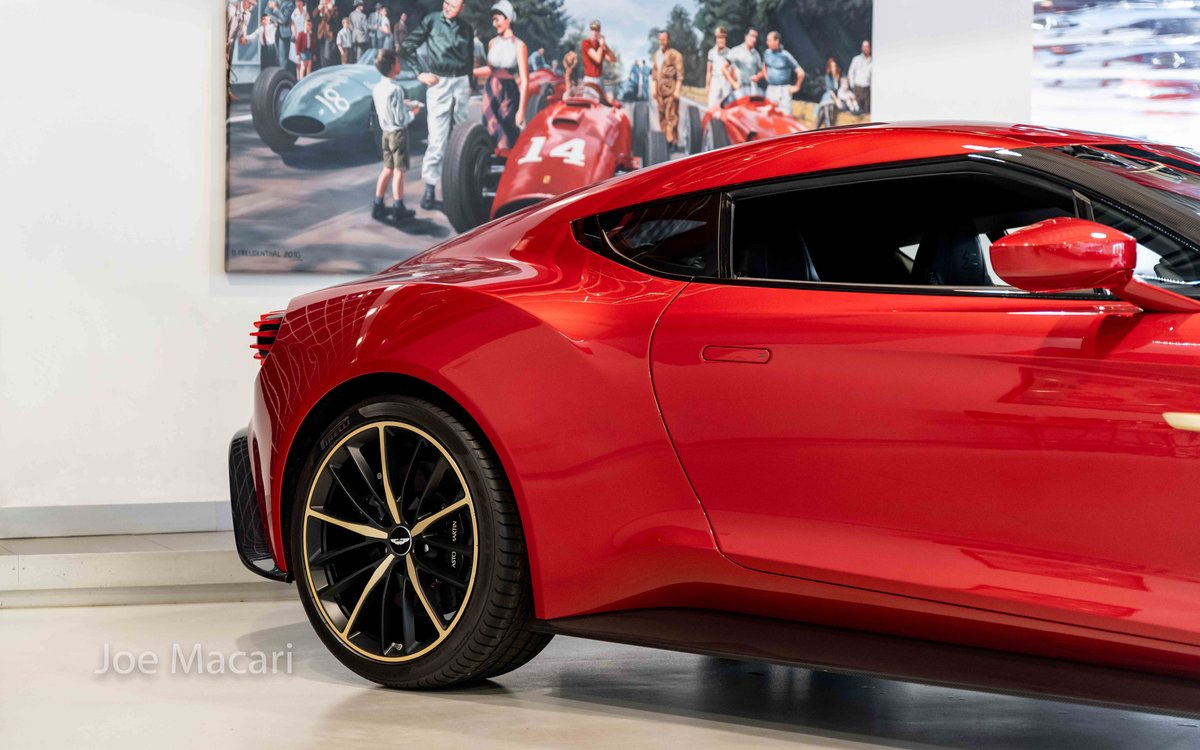 2017 Aston Martin Vanquish Zagato Coupe For Sale (picture 3 of 16)