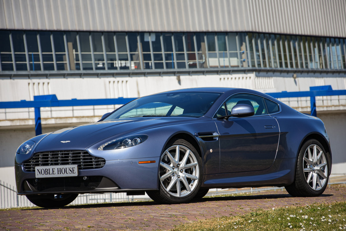 2014 Aston Martin V8 Vantage Coupé Manual For Sale (picture 1 of 6)