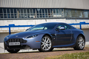 2014 Aston Martin V8 Vantage Coupé Manual