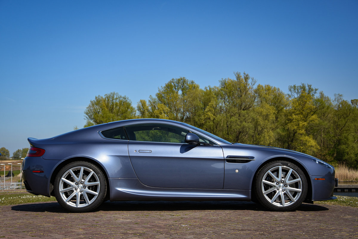 2014 Aston Martin V8 Vantage Coupé Manual For Sale (picture 2 of 6)