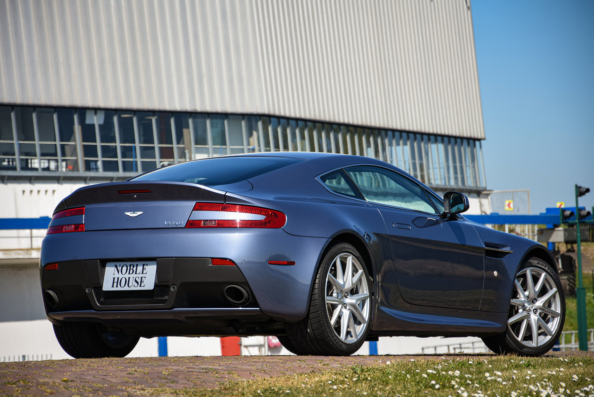2014 Aston Martin V8 Vantage Coupé Manual For Sale (picture 3 of 6)
