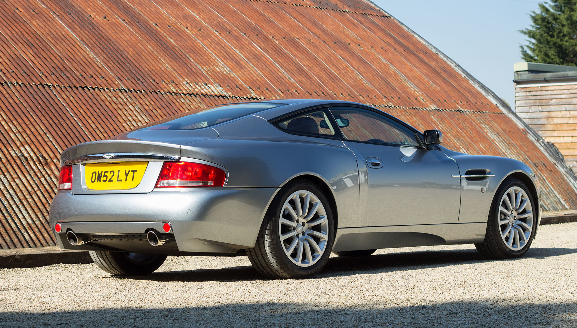 2003 Aston Martin V12 Vanquish - 22,000 miles For Sale (picture 2 of 6)