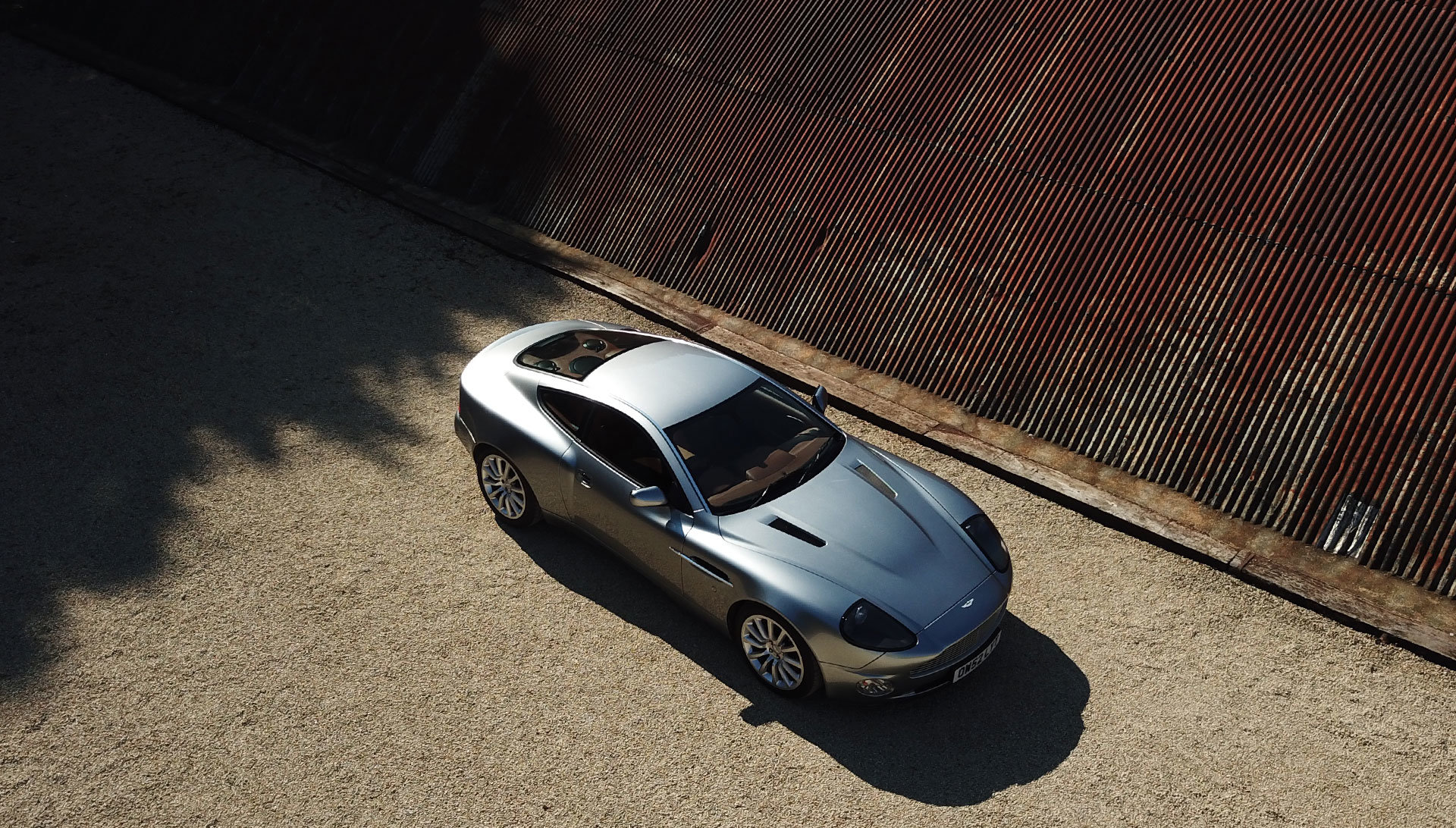 2003 Aston Martin V12 Vanquish - 22,000 miles For Sale (picture 3 of 6)