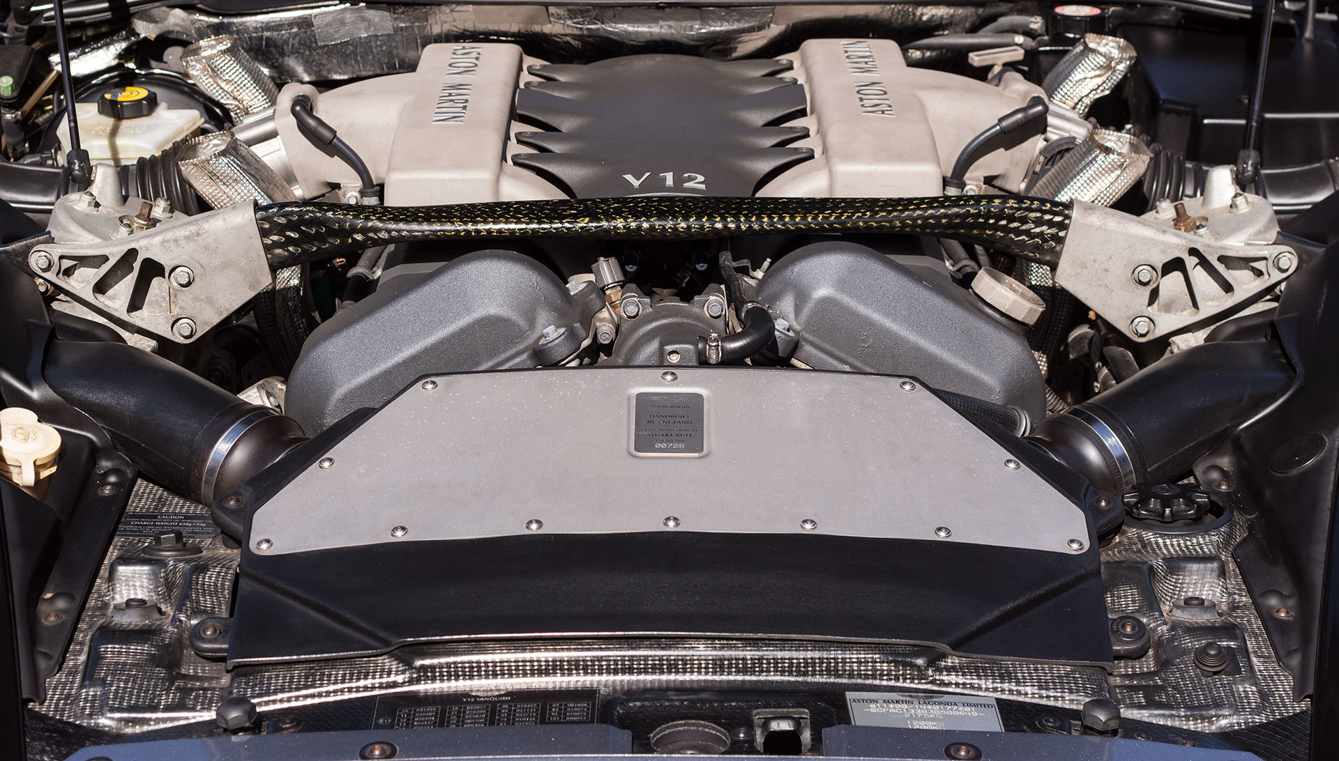 2003 Aston Martin V12 Vanquish - 22,000 miles For Sale (picture 6 of 6)