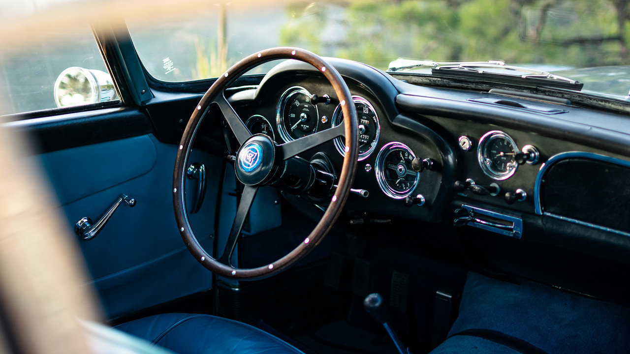 1960 Aston Martin DB4 Series 2 Left Hand Drive For Sale (picture 4 of 6)