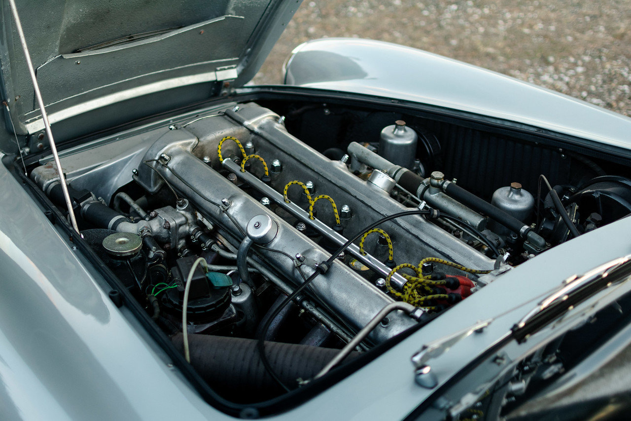 1960 Aston Martin DB4 Series 2 Left Hand Drive For Sale (picture 6 of 6)