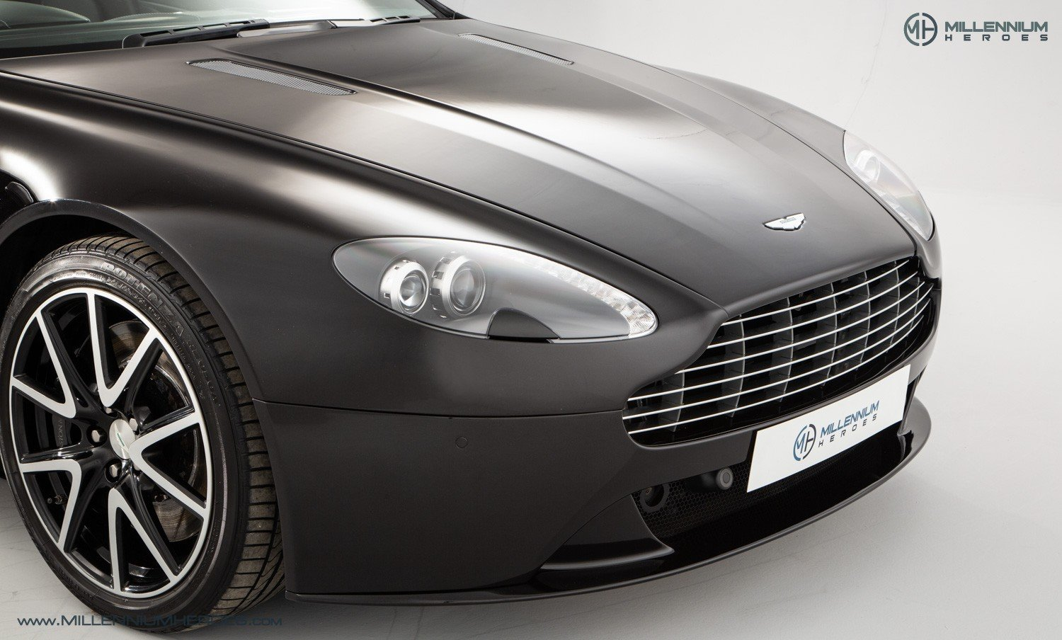 2013 ASTON MARTIN V8 VANTAGE S // AM WARRANTY // FULL AM HISTORY  For Sale (picture 5 of 23)