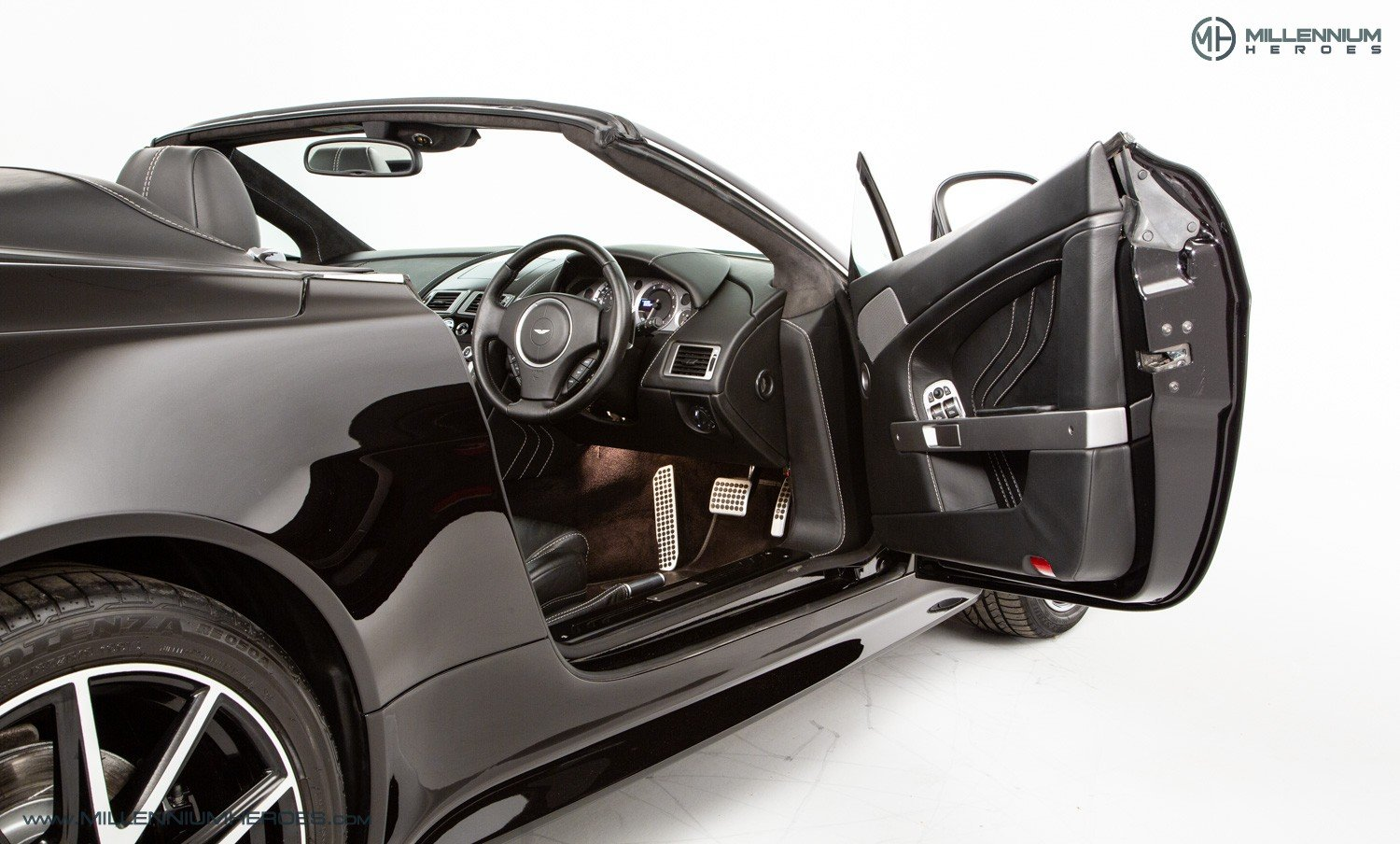 2013 ASTON MARTIN V8 VANTAGE S // AM WARRANTY // FULL AM HISTORY  For Sale (picture 13 of 23)
