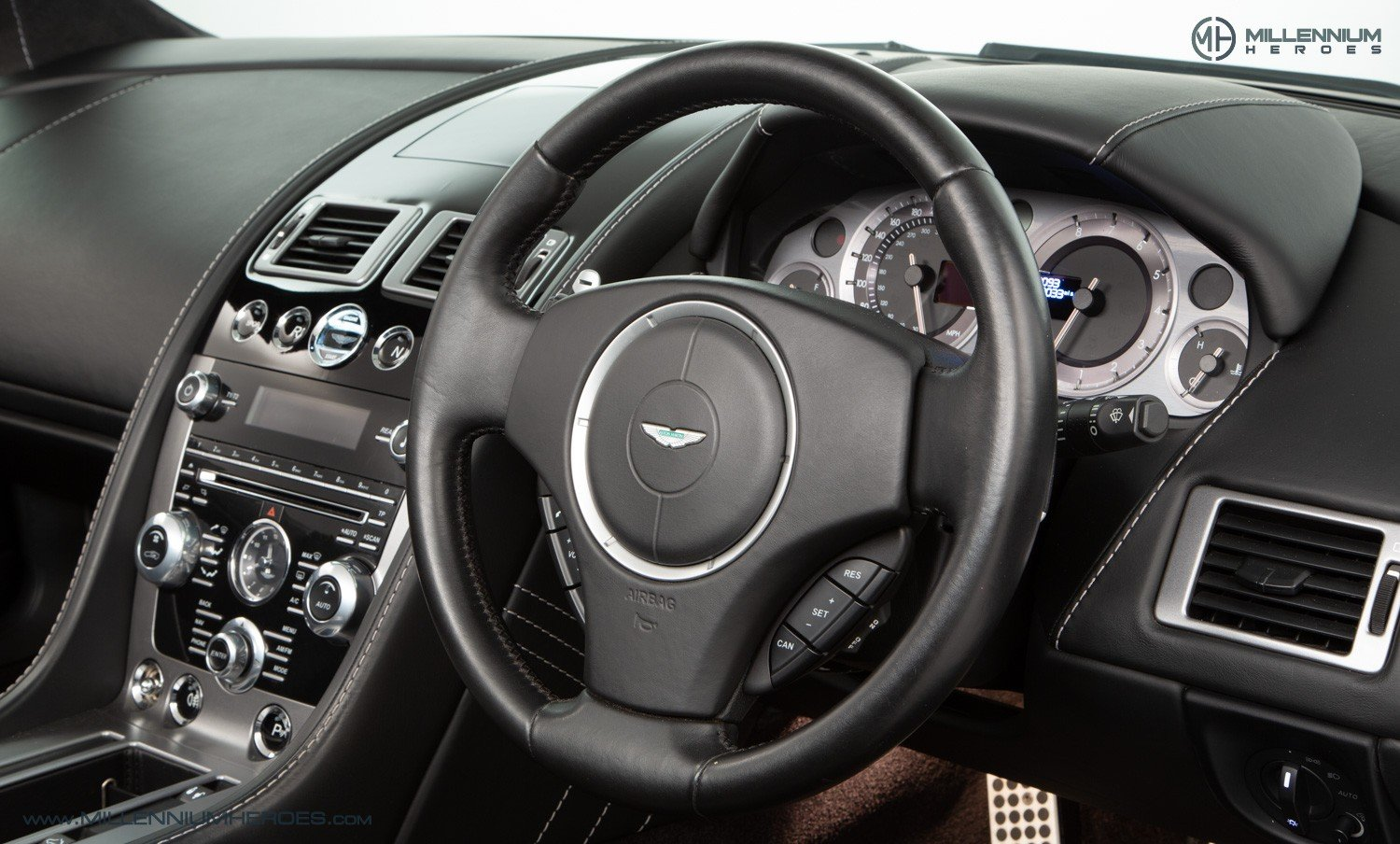 2013 ASTON MARTIN V8 VANTAGE S // AM WARRANTY // FULL AM HISTORY  For Sale (picture 14 of 23)