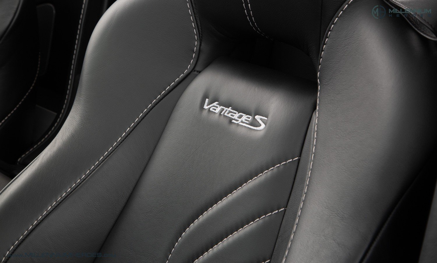 2013 ASTON MARTIN V8 VANTAGE S // AM WARRANTY // FULL AM HISTORY  For Sale (picture 17 of 23)