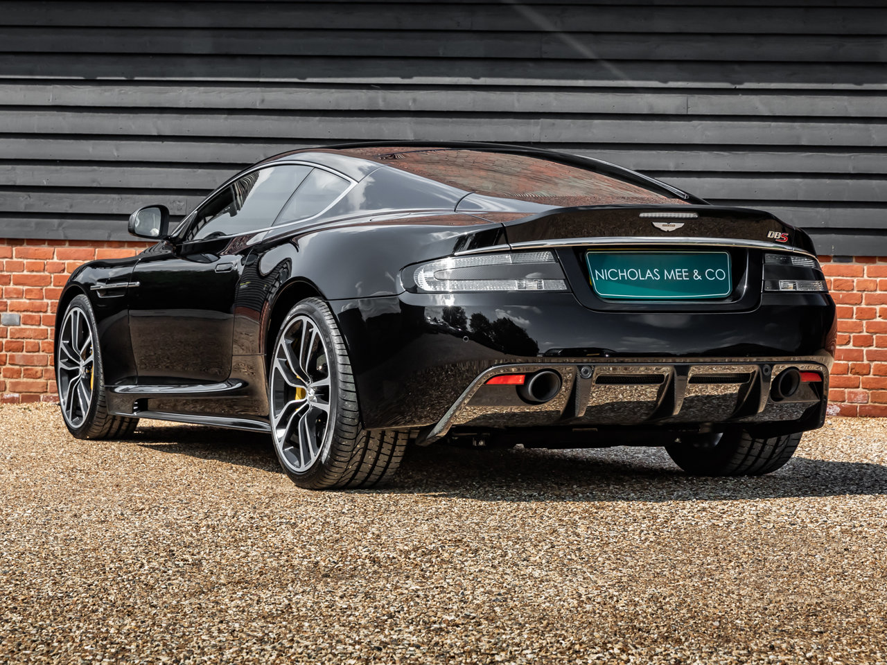2012 Aston Martin DBS Ultimate SOLD (picture 2 of 6)