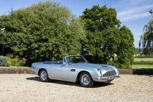 Picture of 1967 Aston Martin DB6 Volante SOLD