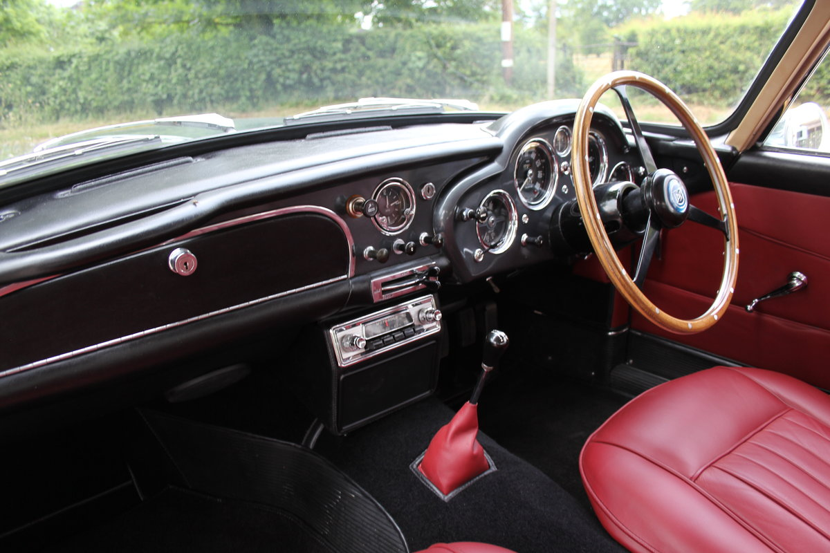 1962 Aston Martin DB4 Series V Vantage - Matching Numbers For Sale (picture 11 of 23)