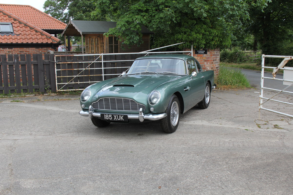 1962 Aston Martin DB4 Series V Vantage - Matching Numbers For Sale (picture 3 of 23)