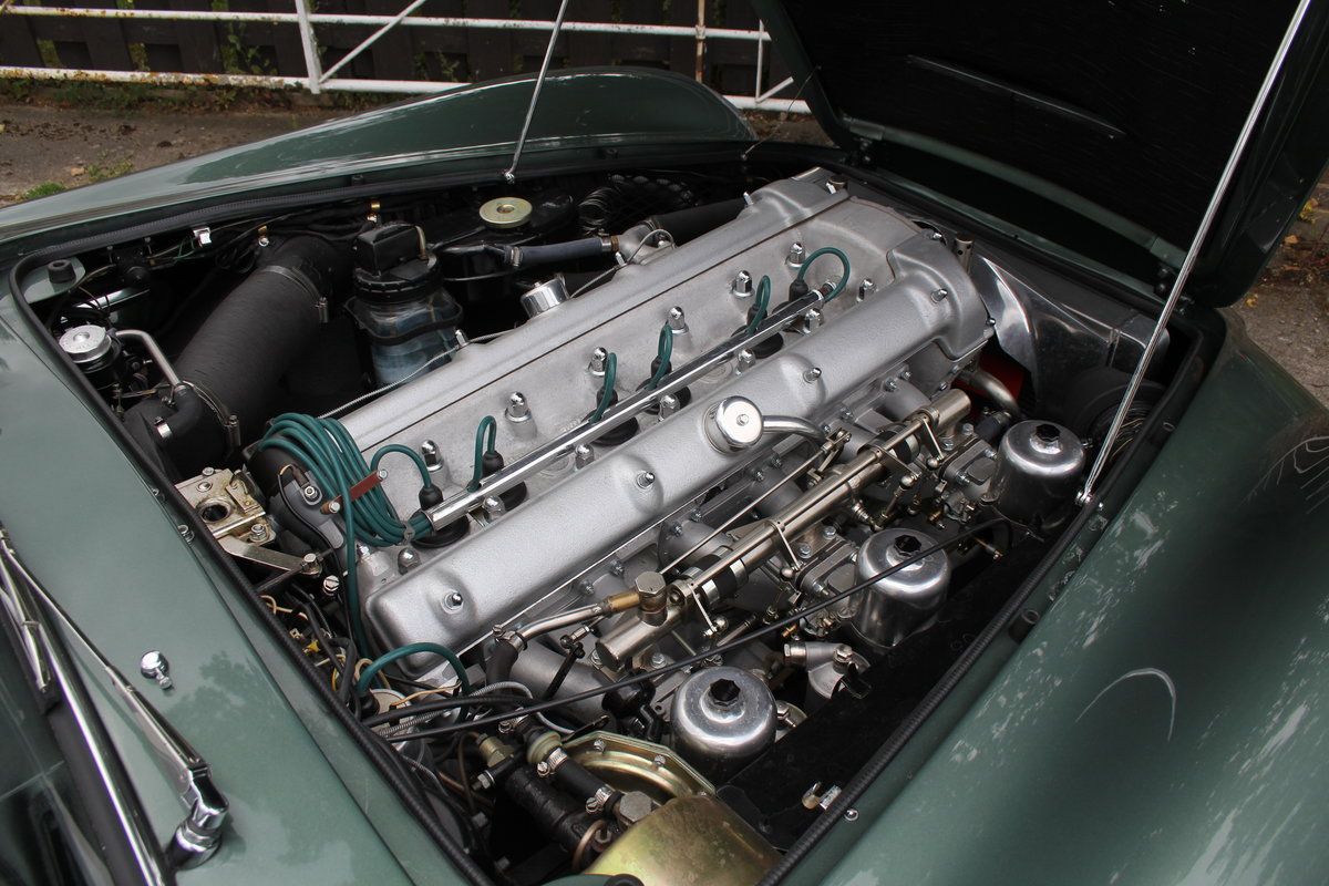 1962 Aston Martin DB4 Series V Vantage - Matching Numbers For Sale (picture 19 of 23)