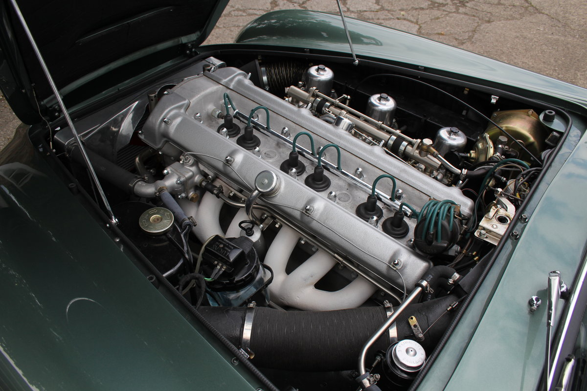1962 Aston Martin DB4 Series V Vantage - Matching Numbers For Sale (picture 22 of 23)