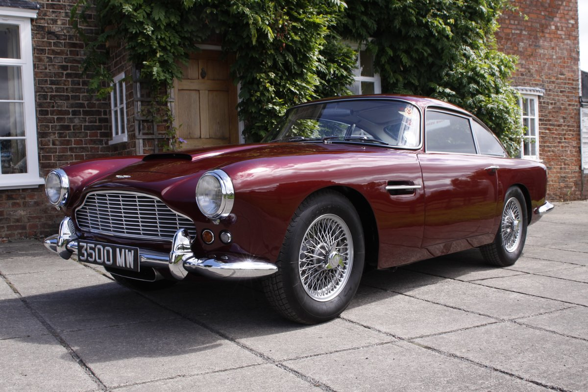 1962 Aston Martin DB4 Series 4 For Sale (picture 1 of 11)