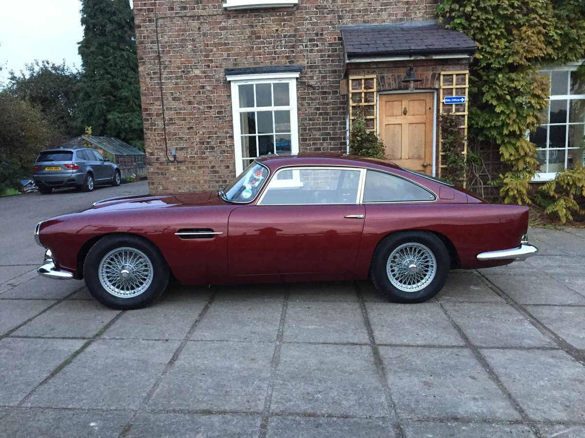 1962 Aston Martin DB4 Series 4 For Sale (picture 2 of 11)