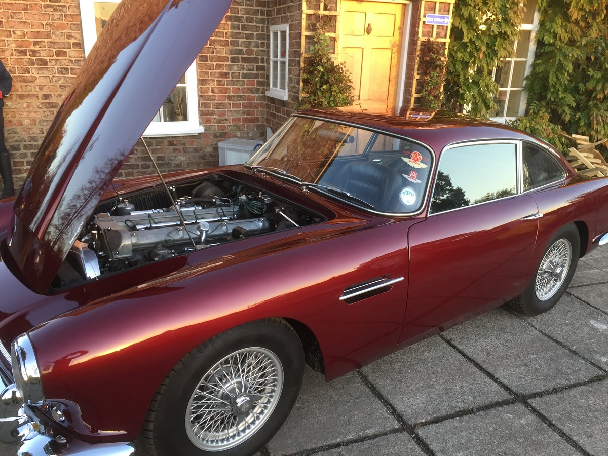 1962 Aston Martin DB4 Series 4 For Sale (picture 4 of 11)