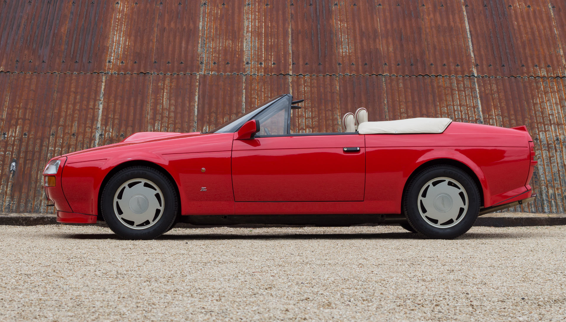 1989 Aston Martin V8 Vantage Volante Zagato 6.3 Litre For Sale (picture 2 of 24)