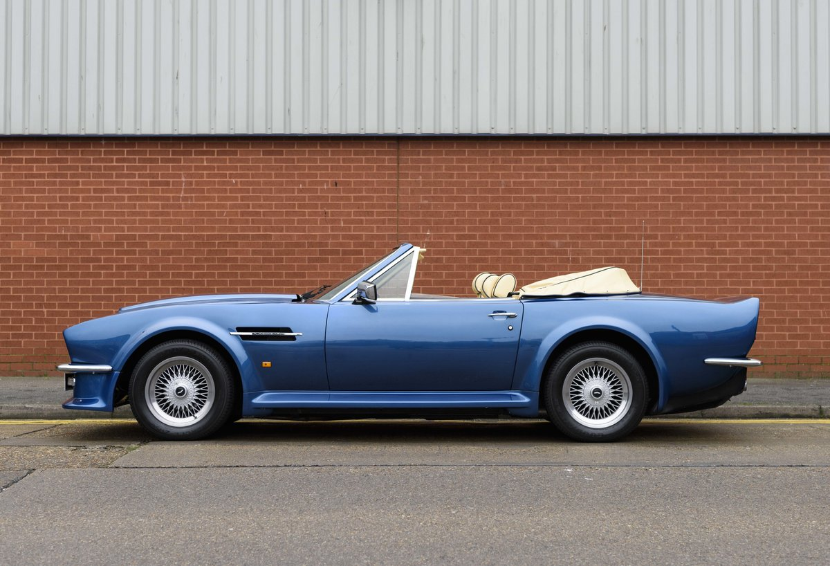 Aston Martin V8 Vantage Volante X-Pack Specification (RHD) For Sale (picture 6 of 24)